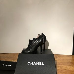 CHANEL Black Leather Ankle-Stretch Booties